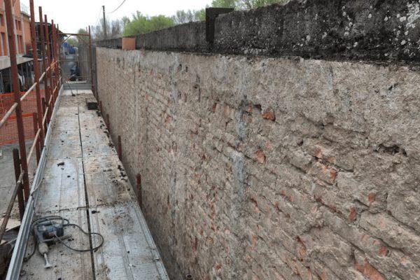 Stonacatura muro di cinta